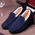 Sapatas dos homens de Moda Slip On Toe Rodada Sola de Borracha de Camurça Quente Mocassins de pele Homens Flat Sapatos Casuais Sapatos de Inverno Da Marca Zapatos Hombre