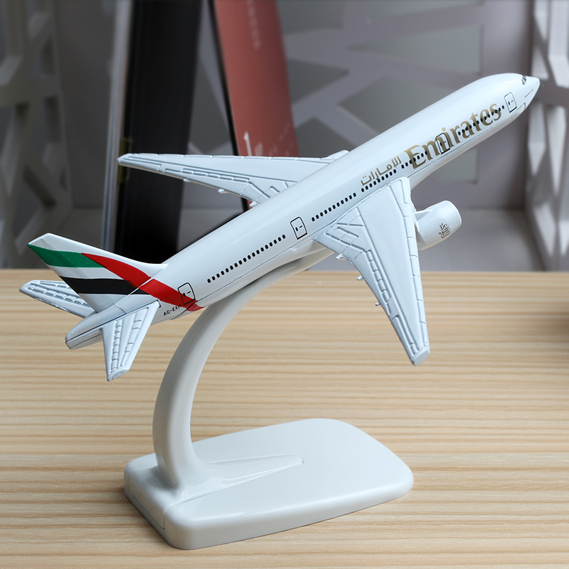 16cm United Arab Emirates Airline Plane Model Boeing 777 Airbus Emirates Alloy Aviation B777 Aircraft Airplane Model Stand Craft