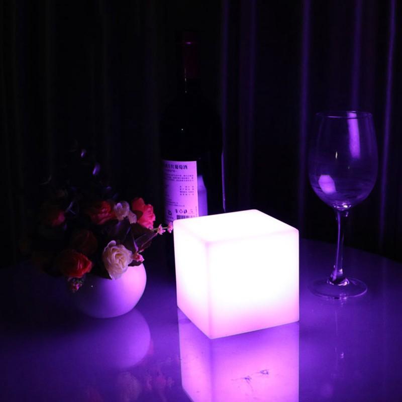European-simple-LED-desk-lamp-charging-desk-lights-living-room-bedroom-dimming-square-lamp (3)