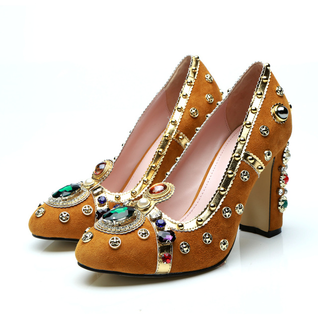 bf5a26e30 Gold Metal Decor Women Pumps Luxury Brand Super Star Runway Shoes Pearl  Rivets Embellished Women Party Wedding Hot Funky Shoes