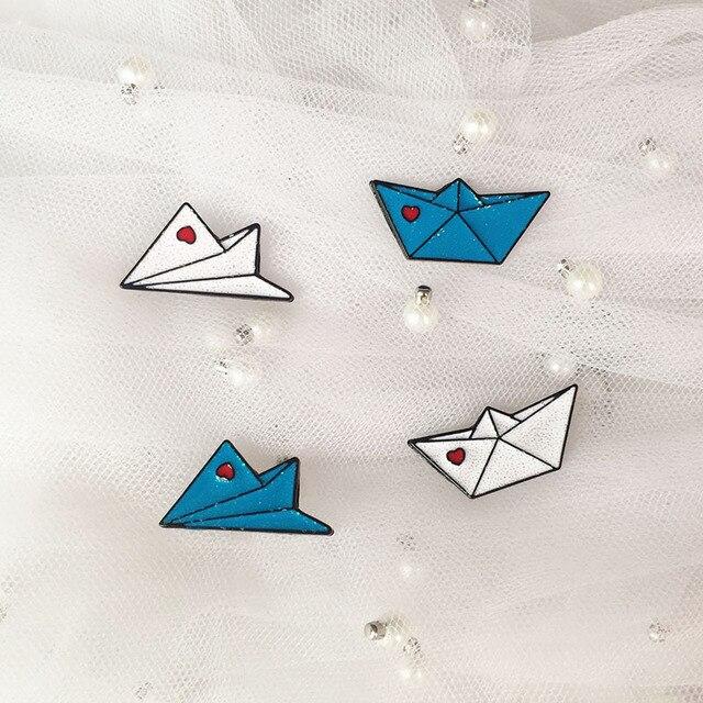 คลาสสิกหนอน enamel brooches การ์ตูนน่ารักสีฟ้าปุ่ม pins สำหรับเสื้อผ้าและกระเป๋าของขวัญเด็ก