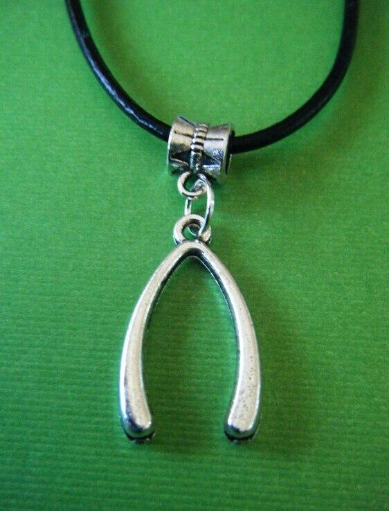 2d4ce2586863 Noir cordons de cuir de la chaîne collier argent Antique charme de fer à  cheval pendentif Choker déclaration bijoux 10 pcs