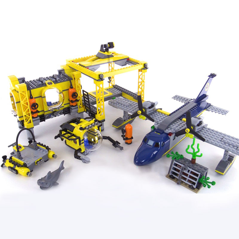 Lepin 02088 Genuine City Series The Deep Sea Opearation Base Set 60096 Building Blocks Bricks For children New Year Gift 1016Pcs sermoido 02012 774pcs city series deep sea exploration vessel children educational building blocks bricks toys model gift 60095