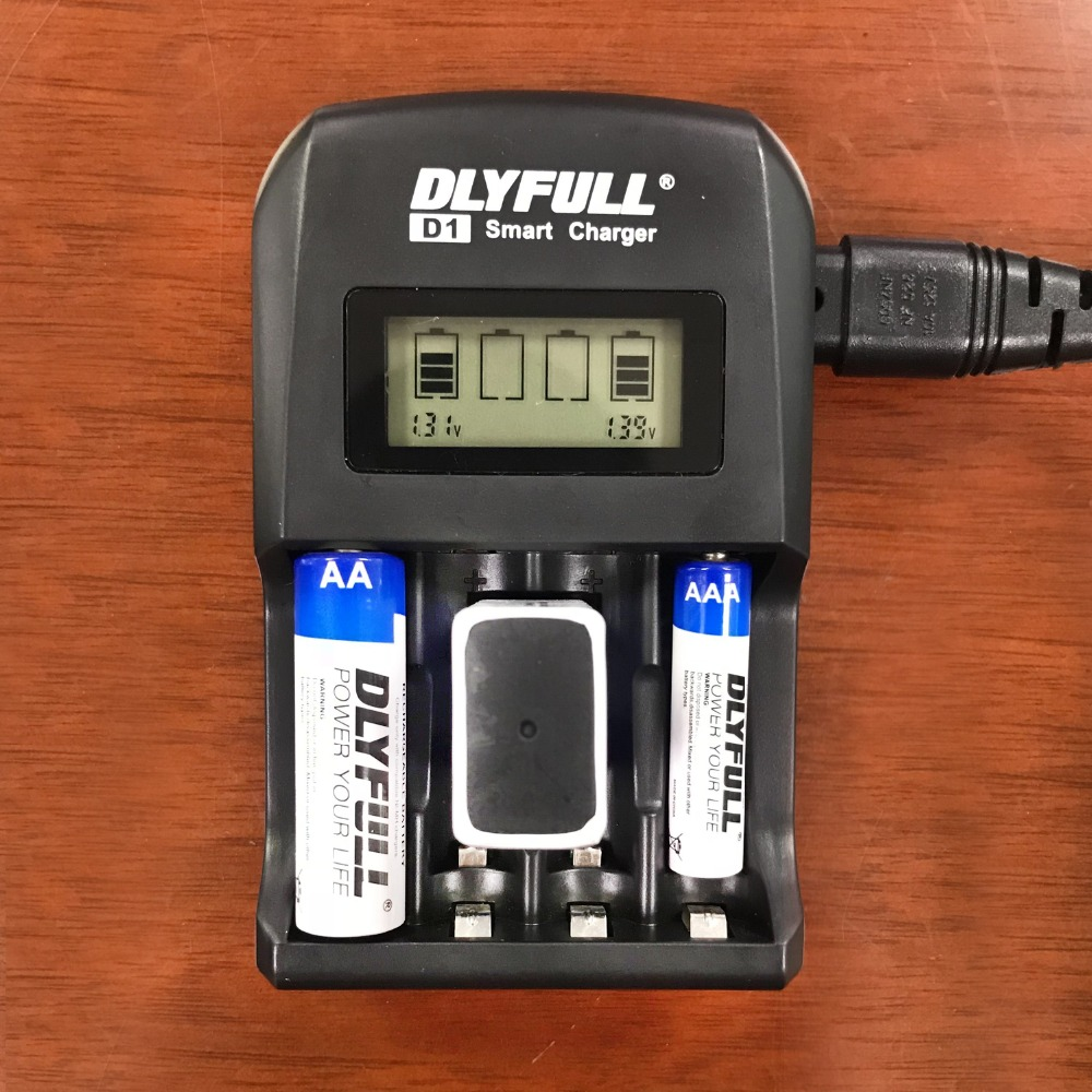 Smart Charger DLYFULL D1 NiMH NiCD Rechargeable 9V Batteries for 1.2V AA AAA LCD Display USB intelligent battery charger