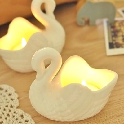 071135 2pcs/lot Creative Retro Romantic Simple European Style Ornaments  Swan Style Ceramic Candle