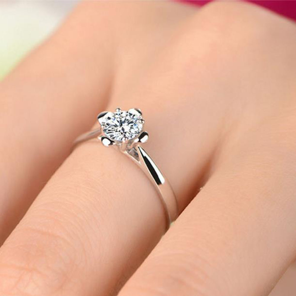 2018 Bfq High End Fashion Simulation Diamond Ring Silver Hand Ornament Women S Round Shape Weddings Rings Wholesale
