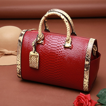 073018 new hot yesetn women handbag female leather Boston bag