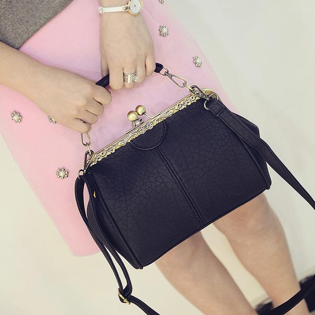 Women Clip Shoulder Bag