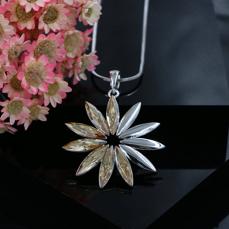 Fine Rhodium Pated Sun Flower Real Austrian Crystal Pendant Women Necklace Snake Chain Collar