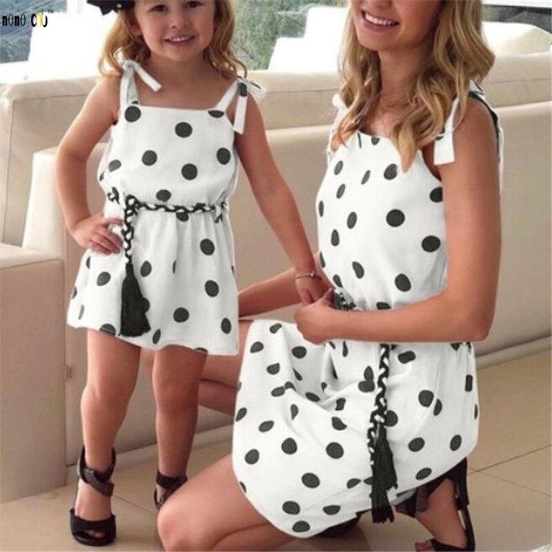 Famille Match tenues robe d'été fronde à pois mère fille robes maman et filles vêtements 1 2 3 4 5 ans 1