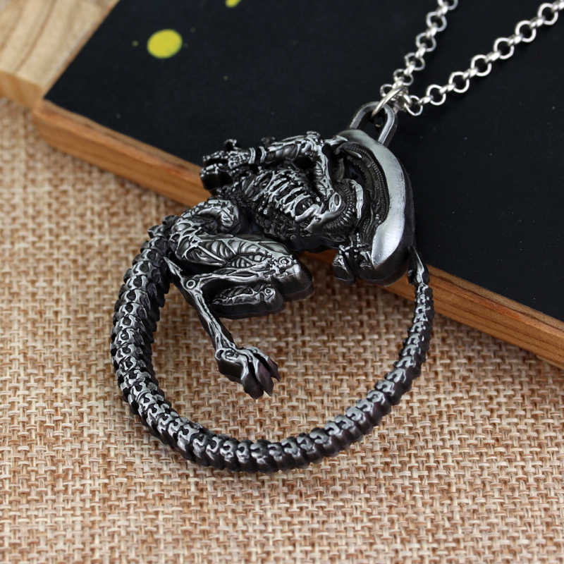 MQCHUN Movie Jewelry Punk Warrior Alien Goth Horror Giger Pendant Aliens Predator AVP Necklace Fans Christmas Cosplay Gift