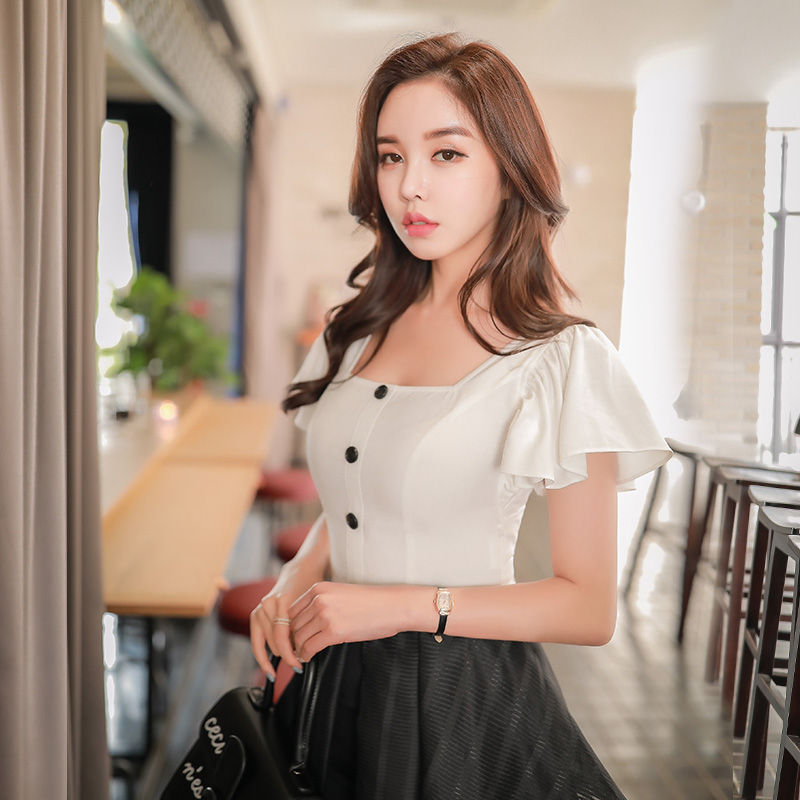 Dabuwawa Women White Ruffles Sleeve   Blouses     Shirts   New Square Collar Single Breasted Office Lady Elegant Crop Tops #D18BST396