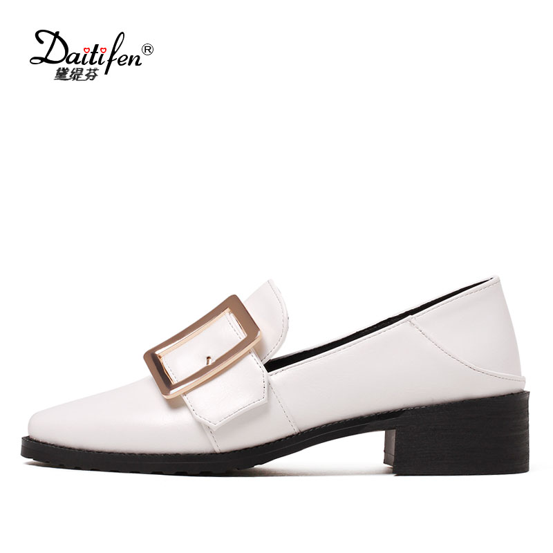 Daitifen Women Flats Loafers Shoes Woman Slip On Loafers Boat Shoes Mental Buckle Ladies Casual Flat Oxfords Shoes Black White daitifen 2018 spring elegant mental buckle pointed toe ladies flat shoe fancy flock shoes women flats casual slip on women flats