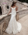 Dreagel New Design Scoop Neckline Button Mermaid Wedding Dress 2017 Luxury Lace Appliques Court Train Bride Gown Robe de Mariage
