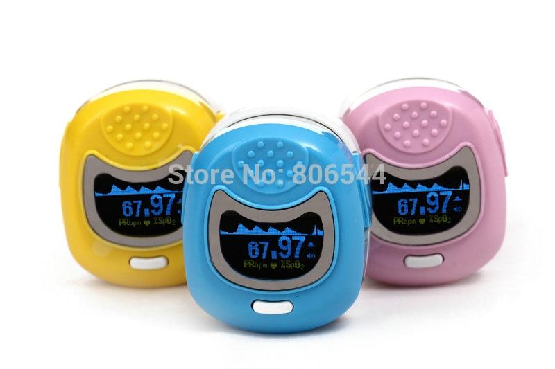 ФОТО 2017 Hot Sale 1pc Children Color OLED Fingertip Pediatric Pulse Oximeter - Spo2 Monitor Kids Three Colors Optional