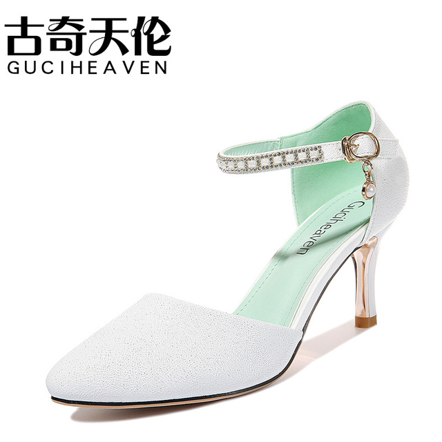 Guciheaven 2017 Summer Newest Womens High Heels Pumps Closed Toe Shoes  Fashion Crystal Cream White Lady Pointed Toe Pumps 82139186bfc5