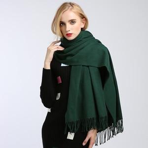 Image 3 - Sciarpe delle donne di alto modo 2018 solido verde viola scialli e involucri della sciarpa poncho mantelle hijab delle donne del cotone caldo di lana sciarpa