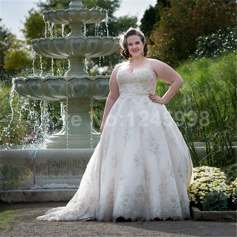 e54c22d740325 Traditional 2016 New Plus Size White Beaded Applique Lace Ball Gown wedding  dress bridal gown robe de mariage Vestido de noiva-in Wedding Dresses from  ...
