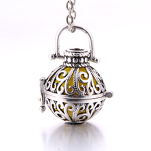 Aroma Diffuser Necklace Open Antique Vintage Lockets Pendant Perfume Essential Oil Aromatherapy Locket Necklace Pearl Cages 2019 new aroma diffuser necklace open antique vintage lockets pendant perfume essential oil aromatherapy locket necklace with pads