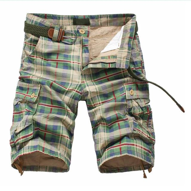 Men's multi-pocket cargo plaid shorts New summer male  overalls casual beach shorts Size 40 No Belt
