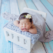 купить Newborn Props for Photography Wood Bed Newborn Posing Baby Photography Props Photo Studio Crib Props for Photo Shoot Posing Sofa в интернет-магазине