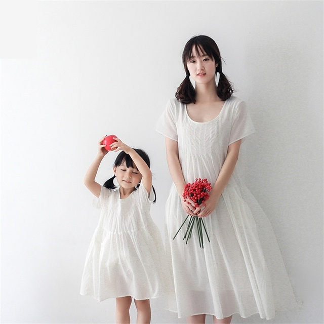2017 brand cotton soft white large pregnant women girl daughter dress family matching set clothes mother and girls beach dresses