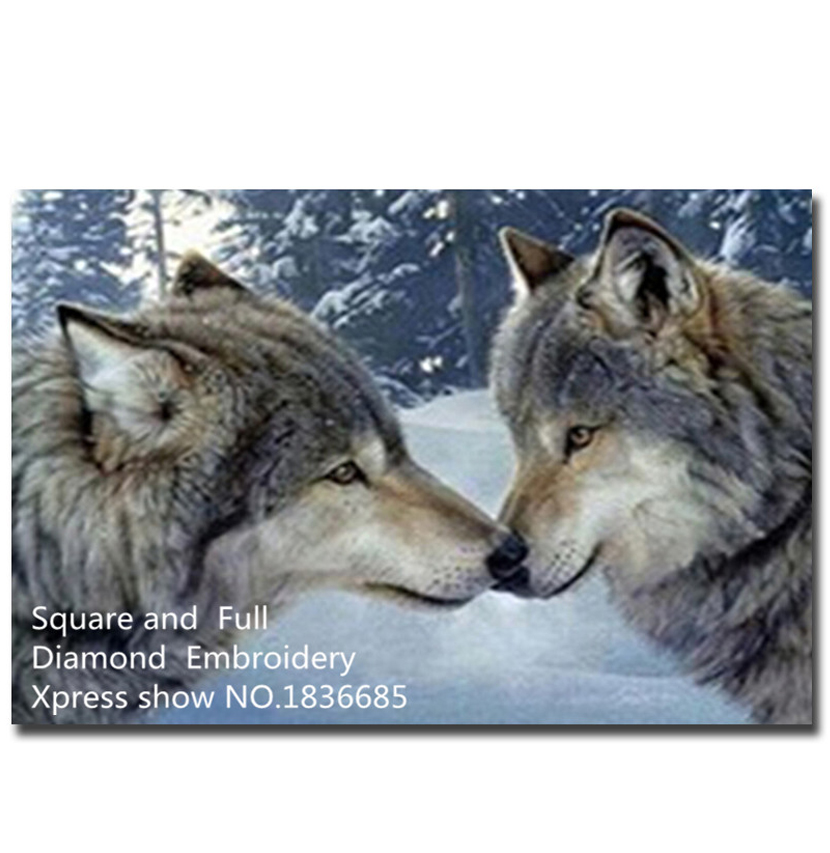 Вышивка крестом двух волков
