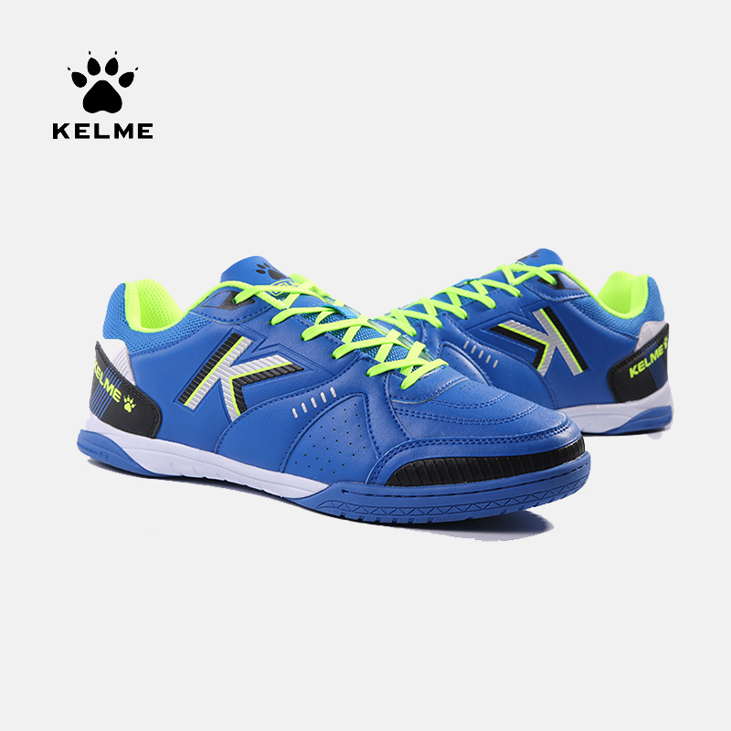 KELME Sneakers Soccer-Shoes Football-Boots Futsals Professional Indoor Original Male title=