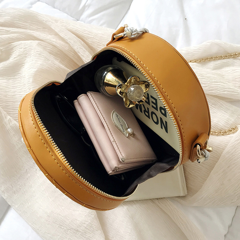Round Crossbody Bags For Women 2019 High Quality Leather Luxury Handbags Designer Sac A Main Ladies Pearl Shoulder Messenger Bag in Shoulder Bags from Luggage Bags