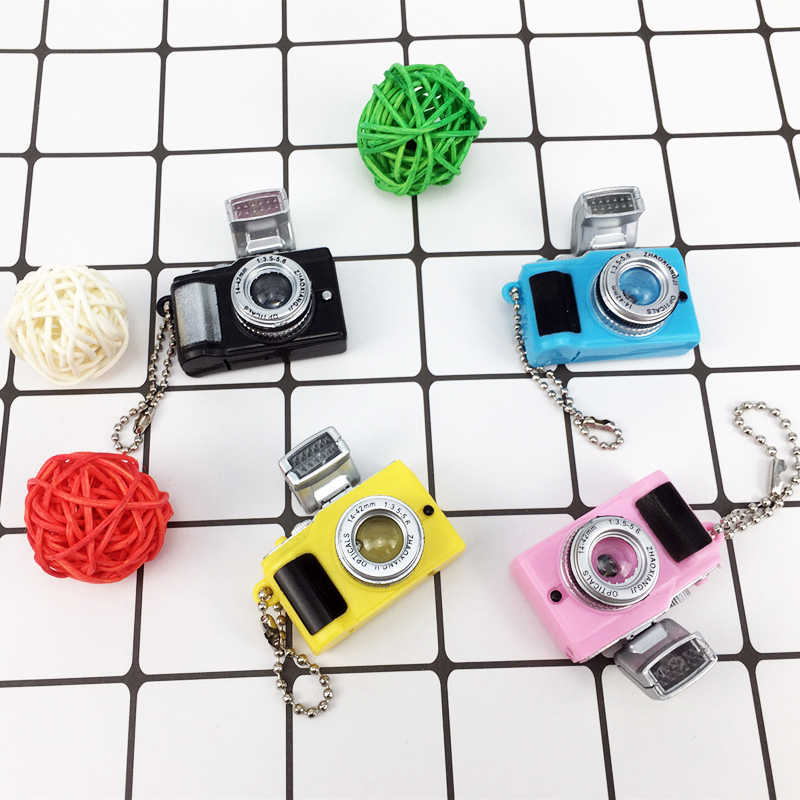 Câmera Acessórios da Boneca de Brinquedo Brinquedos Do Miúdo Crianças Câmeras de Projeção Luminosa Brinquedo de Som Brilhante Pingente Chaveiro Câmeras for1/6 Boneca