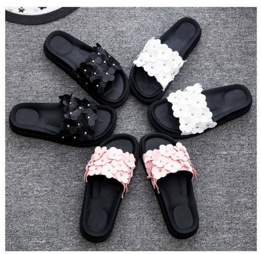 2017 New Summer Shoes Women Sandals Korean Fashion Flowers Sandals Comfortable Beach Flip Flops