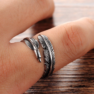 LNRRABC Alloy Unique Resizable Feathers Women rings Men Graceful Allergy Free Couple's Silvery Retro Adjustable ring for Gifts(China)