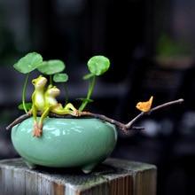 цена на Lovely Frog miniature figurines Ceramic flowerpot animals Resin Arts and Crafts fairy garden Mini vase figurine gifts home decor