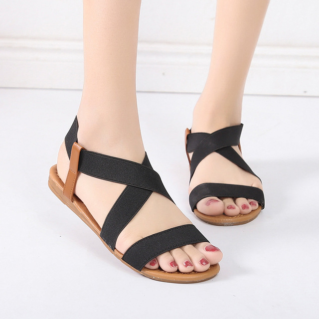 647652c05fba2 US $6.72 52% OFF|2019 Fashion Spring Women Shoes Roman Sandals Cross Tied  Shoes Women Retro Sandals Beach Flat Shoes Gladiator Sandals Big Size-in ...