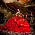 Romántica de Lujo de Oro Bordado Quinceanera Vestidos de Novia Vestidos de Bola de Oro Y Rojo Dulce 16 Vestidos Vestidos De 15 Anos