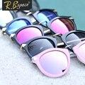 RBspace Marca 2017 tendencia de la moda vintage mujer gafas de sol de moda femenina gafas de sol grandes gafas de sol circular marco glassesWomen Vasos