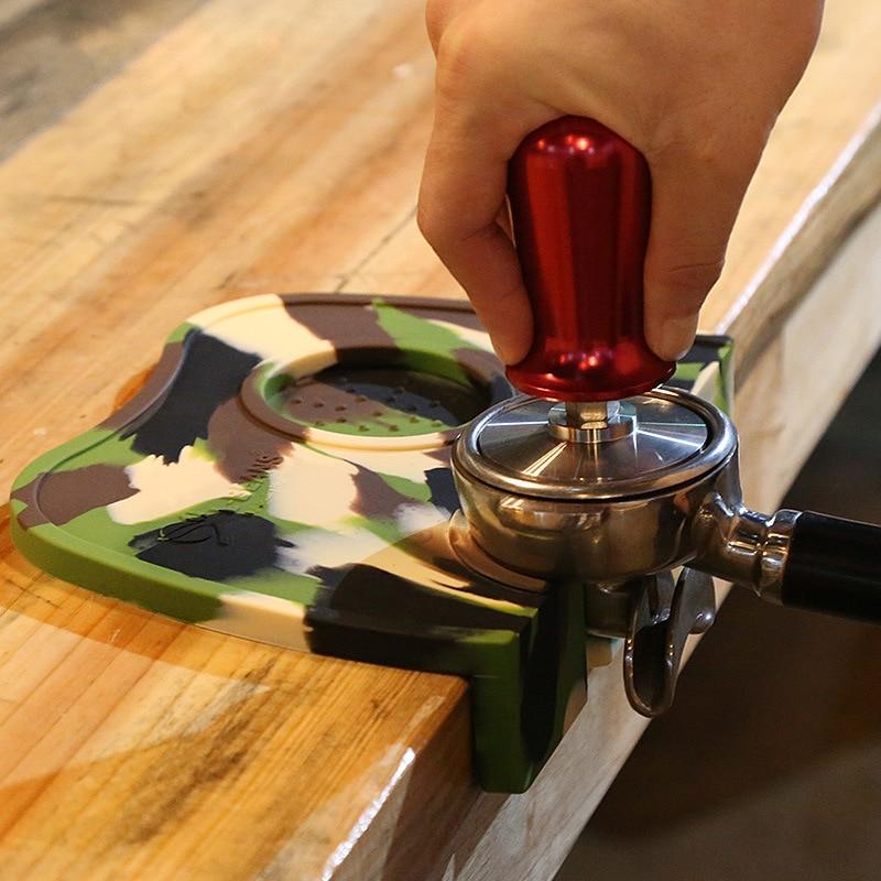 Кававыя дыванкі з дымчатымі кавамі - Кухня, сталовая і бар - Фота 5