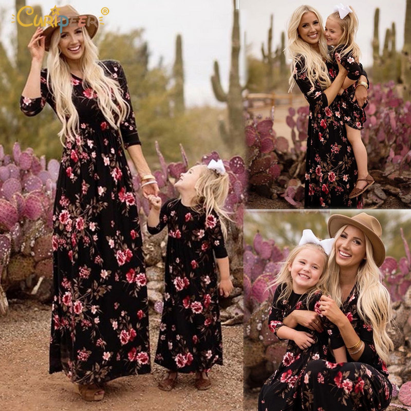 Mom Daughter Attire Navy Floral Lengthy Vestidos Mom And Daughter Garments Mother And Daughter Gown Household Matching Garments