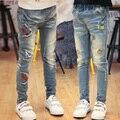 Новый Год, детская одежда весной и осенью Детские брюки девушки случайные узкие джинсы, вышивка джинсы девушка.