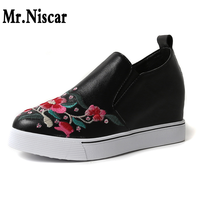 Ethnic Style Flats Women Genuine Leather Shoes Embroidery Flowers Fashion Woman Platform Sneakers Height Increased Slip-on Shoes