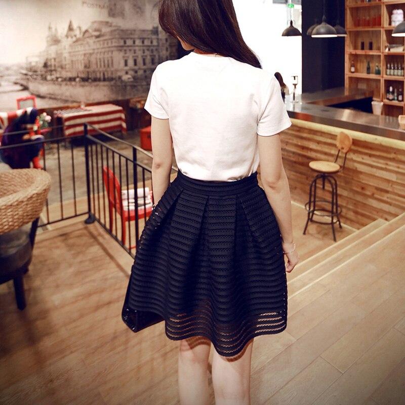 cb345a85df 2017 verano nuevo estilo Sexy moda Falda Mujer rayado ahuecado mullido Falda  larga Swing faldas damas negro blanco vestido de bola en Faldas de La ropa  de ...