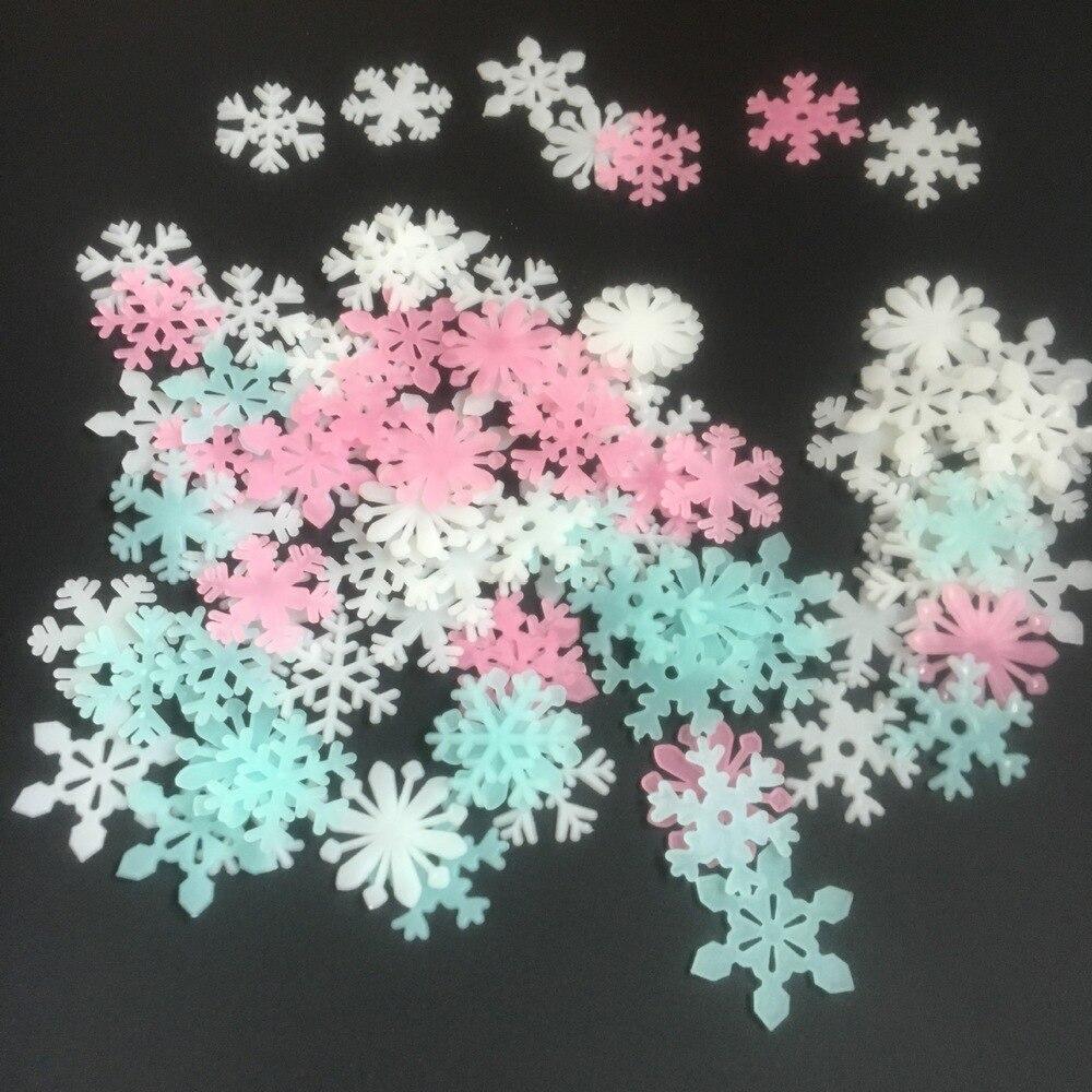 LoveCCD 50pcs/Bag 3D Snowflake Glow In Dark Luminous Fluorescent Sticker Light-emitting DIY PVC Stickers  For Kids J17