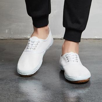 TOPONE klasyczne tenisowe białe buty jednokolorowe płócienne buty antypoślizgowe męskie i damskie buty do ćwiczeń sztuk walki buty Tai chi tanie i dobre opinie TOP ONE CN (pochodzenie) Pochłaniające wstrząsy Zamknięte zbalansowane oddychająca Mocne lekka waga w stylu butów do tenisa