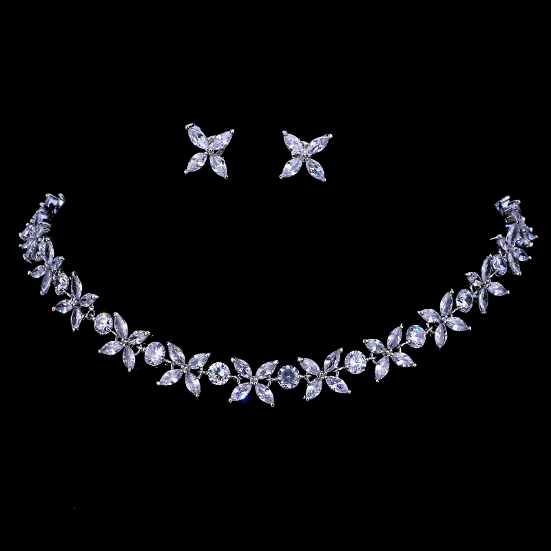 Emmaya Zircons Stunning Crystal Necklace and Earrings Luxury Bridal Party Jewelry Set For Wedding Evening Gift a suit of stunning rhinestoned ball shape necklace and earrings for women