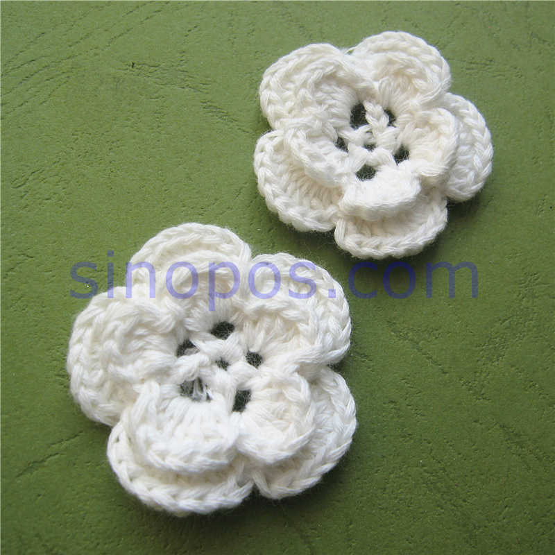 Crochet Heart Shape Hand Made For Decorate girl clothes dolls Knitting 2.5 cm