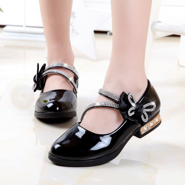 2015 female child leather shoes genuine leather princess shoes spring and autumn single shoes black Moccasins four seasons shoes