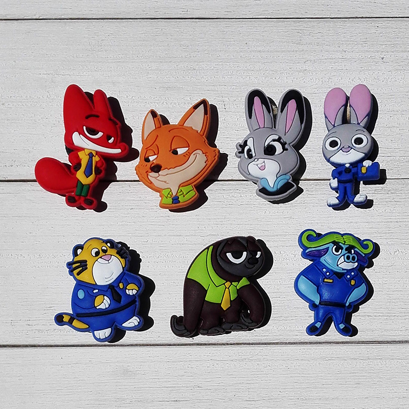 Single Sale 1pc Zootopia PVC Shoe Charms Shoe accessories Shoe decoration Shoe Buckles Accessories Fit Bands Bracelets Croc JIBZ стоимость