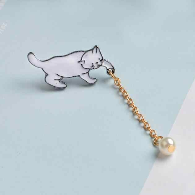 Jisensp Paduan Kecil Yang Lucu Putih Mutiara Imitasi Bros Bentuk Kucing CHIC Fashion Perhiasan Bijoux Bros Grosir Aksesoris Wanita