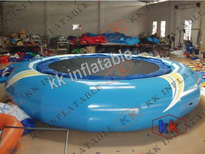 Trampoline gonflable de l'eau d'octogone bleu ciel en vente