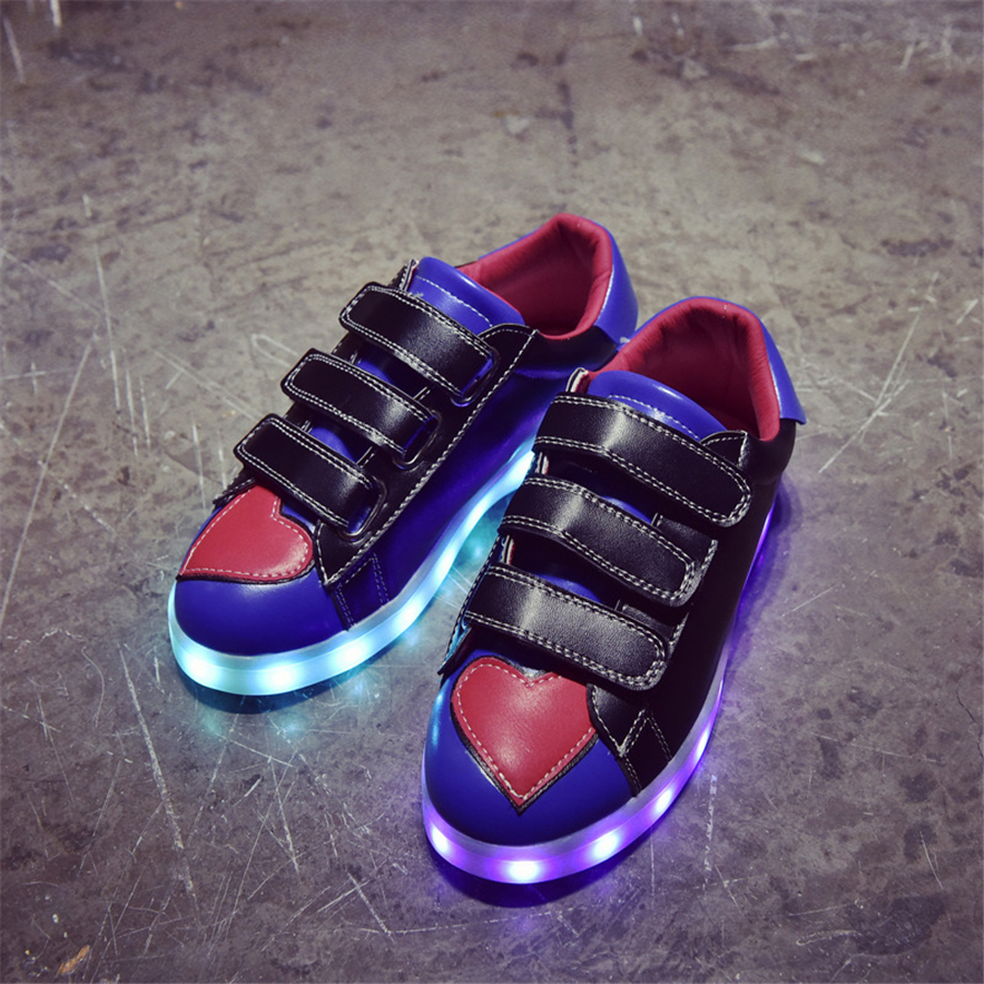 Kids Shoes With Led Lights Children Kids Sneakers Children Glowing Sneakers For Girls Shoes 2017 New Spring Footwear 50Z0030 kids shoes boys led lights sneakers with wheels single wheel glowing children shoes
